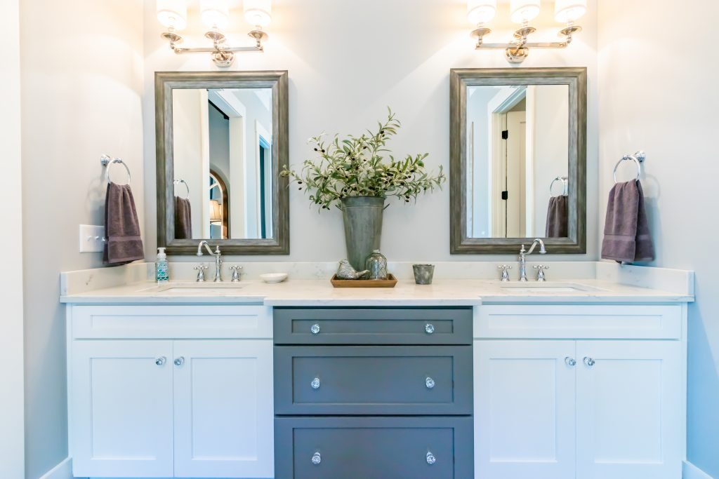 Designer Southern Bathroom | Pierce Flooring