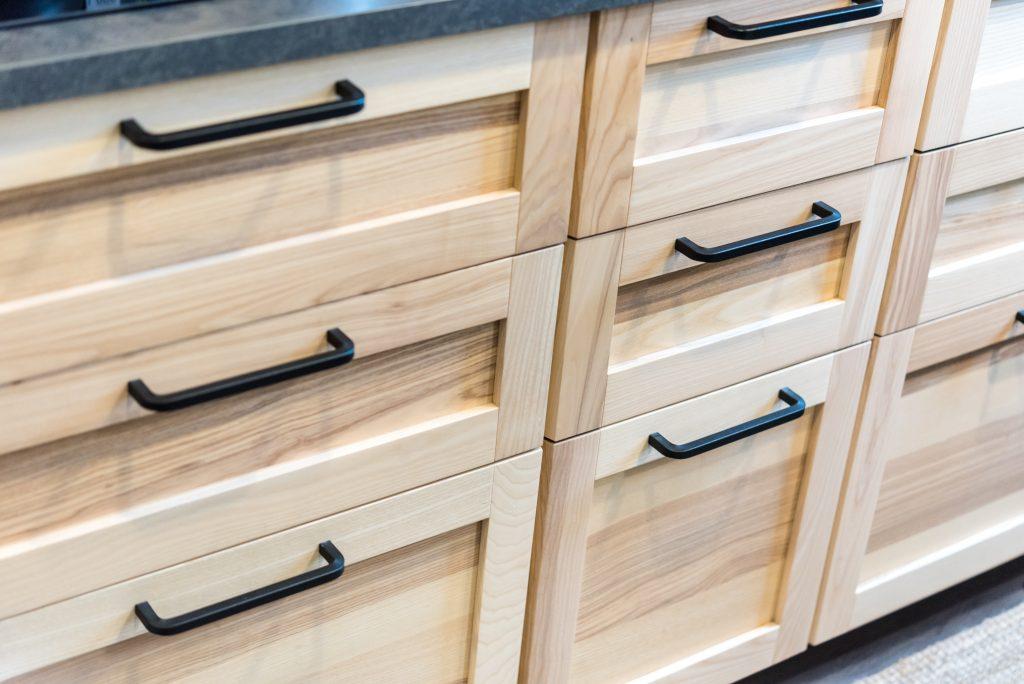 Drawer cabinet Black handle | Pierce Flooring