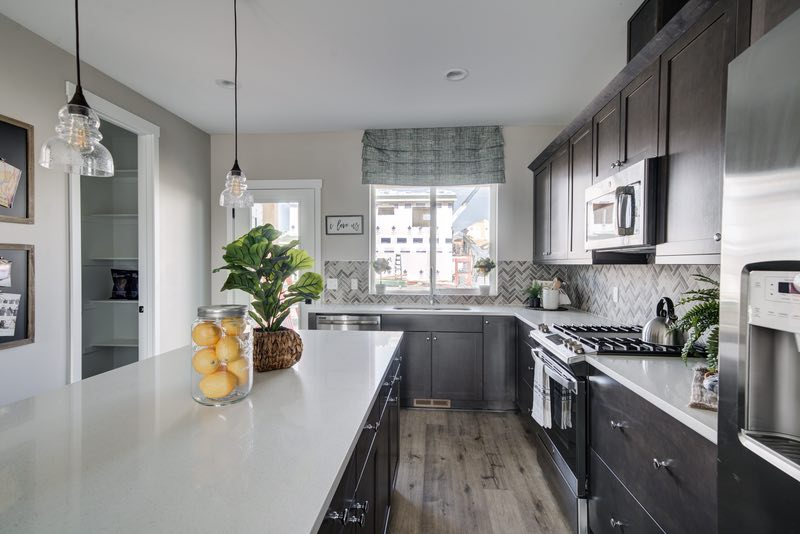 Cabinets and countertops   Pierce Flooring